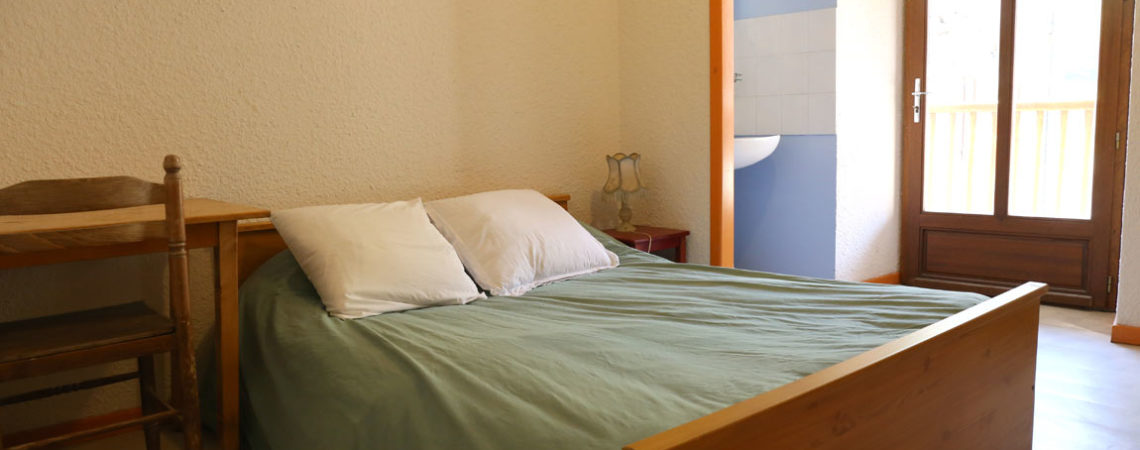 Chambre lit double du Relais Montagnard